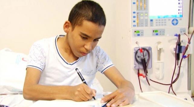 Sakaryalı genç engellilerin yaşadığı zorlukları yazıyor