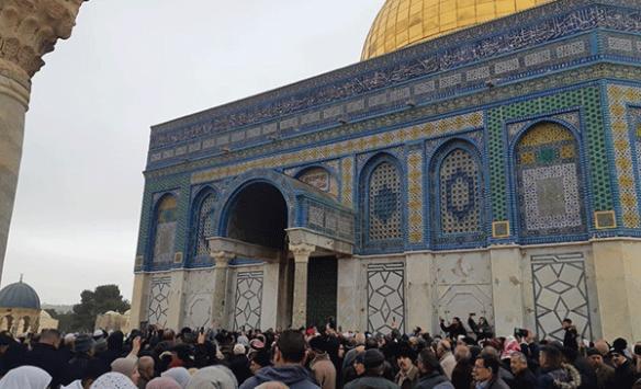 İsrail güçleri, Filistinlilerin Kubbetu's Sahra'ya girişlerini engelledi