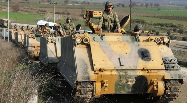 İdlib sınırına askeri sevkıyat sürüyor