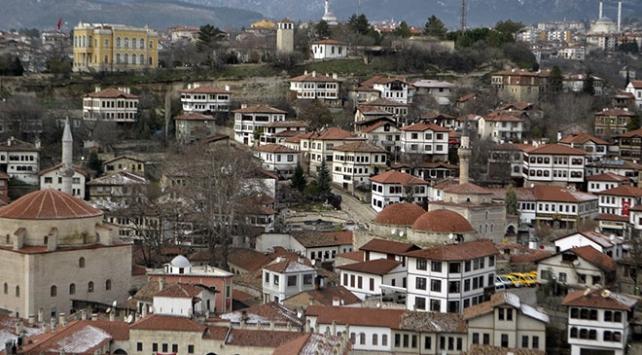 Safranbolunun tarihi dokusu yeni binalara örnek oluyor