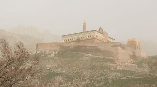 Doğu Anadoluda 4 ilde kuvvetli fırtına uyarısı