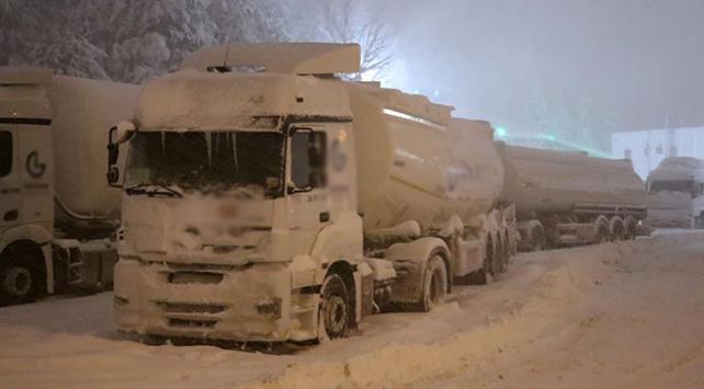 Bolu Dağı geçişi tır ve kamyonlara kapatıldı