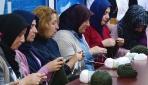 Sakaryalı annelerden Mehmetçik için yün bere