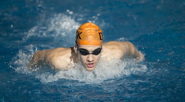 Yüzme öğrenmek için başladı, 15 Türkiye rekoru kırdı