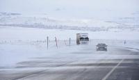Doğu'da bin 220 köy ve mahalle yolu ulaşıma kapandı