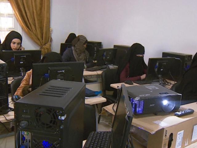 Türkiye'den Cerablus'taki Suriyeli kadınlara meslek eğitimi