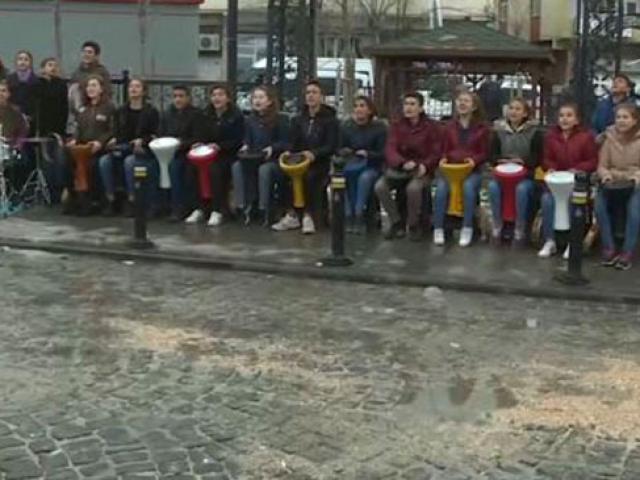 Diyarbakırlı ve Balıkesirli öğrencileri müzikle buluşturdular